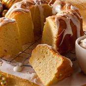 White Christmas Crown Cake(329)