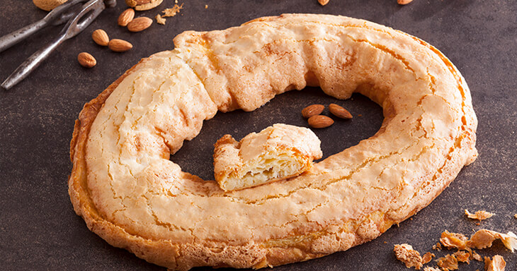 Item #: 110 - Almond Macaron Kringle