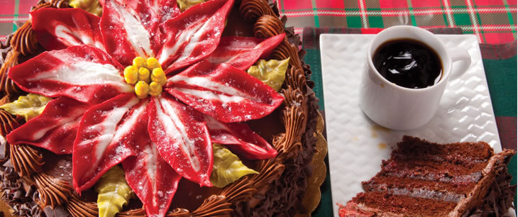 King's Poinsettia Cake (472C)