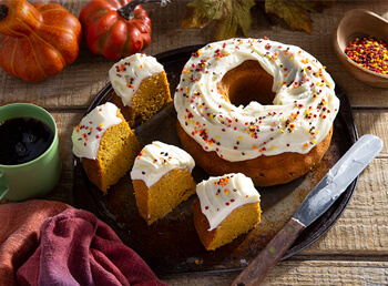 Pumpkin Crown Cake
